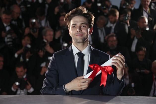Ο 27χρονος Καναδός Ξαβιέ Ντολάν με το βραβείο πρωτότυπης ταινίας