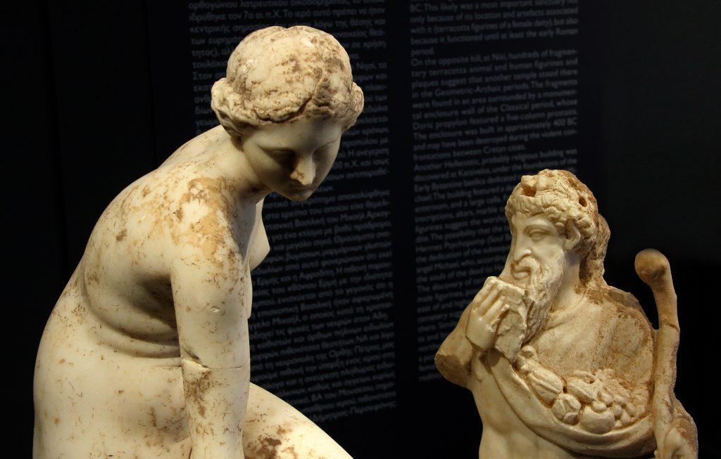 Άγαλμα Αφροδίτης και Πάνα. 2ος-1ος αι. π.Χ. Από το Μεγάλο Λουτρό́ στον Κατσίβελο. Ελεύθερνα, Κρήτη.