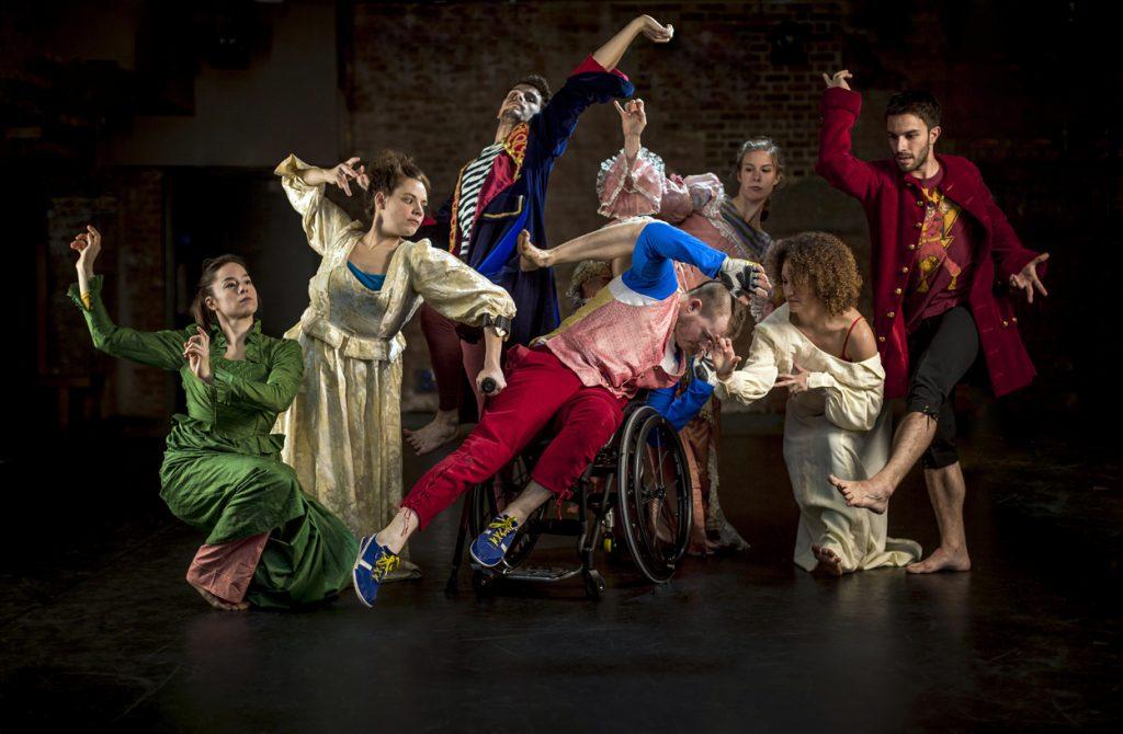 Candoco Dance Company ©Benedict Johnson
