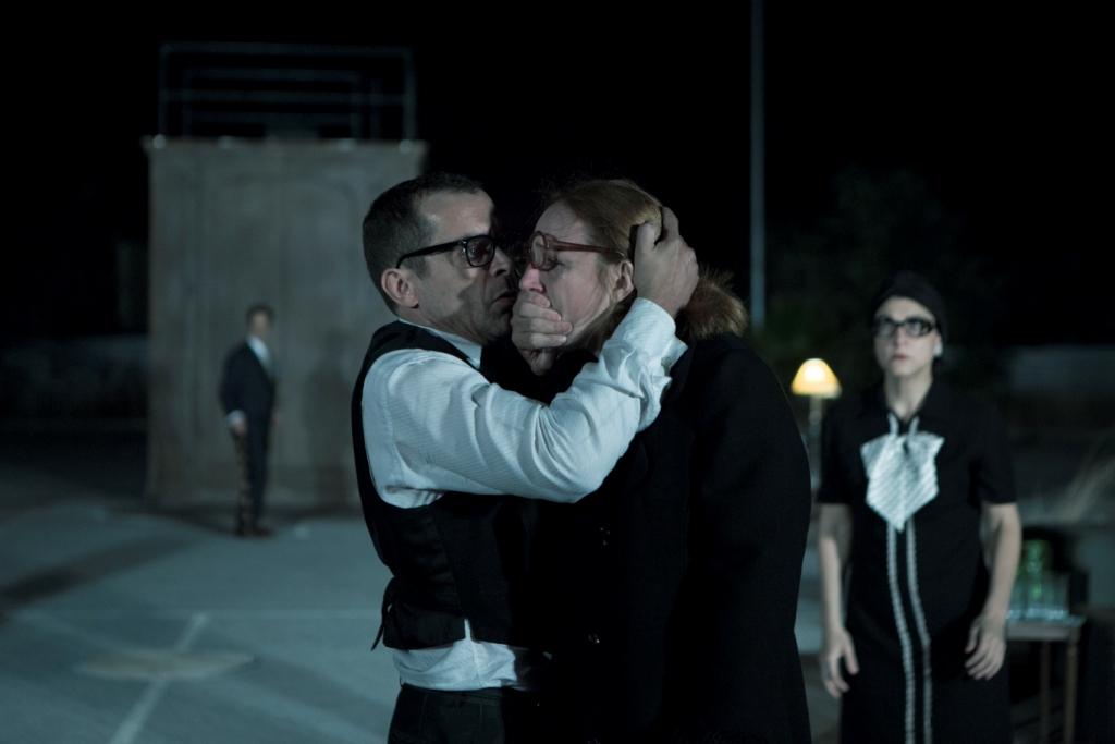 Ο Κωνσταντίνος Μαρκουλάκης ως Ορέστης και η Στεφανία Γουλιώτη ως Ηλέκτρα