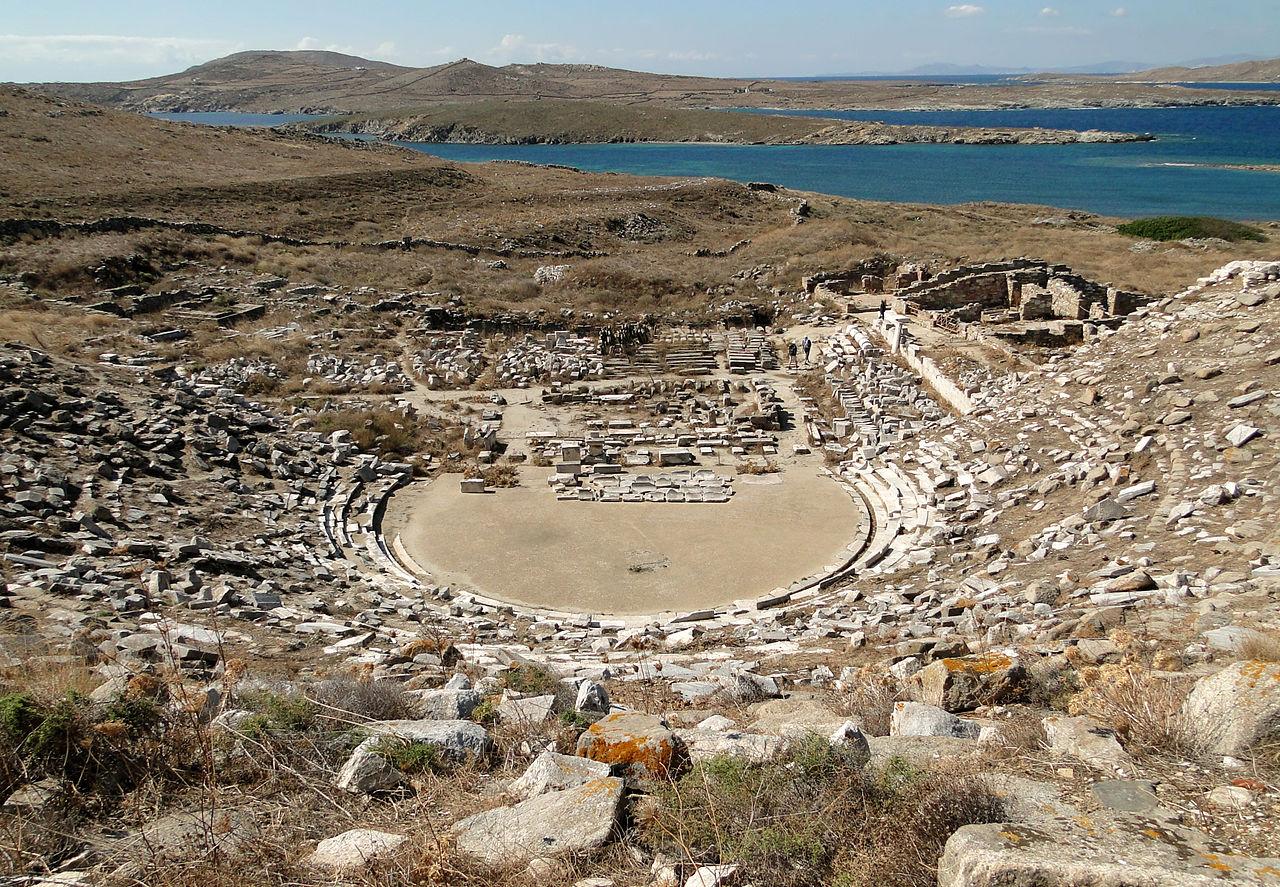 Το αρχαίο θέατρο της Δήλου. Μόνο 150 θέσεις του μπορούν να χρησιμοποιηθούν σήμερα για τους θεατές
