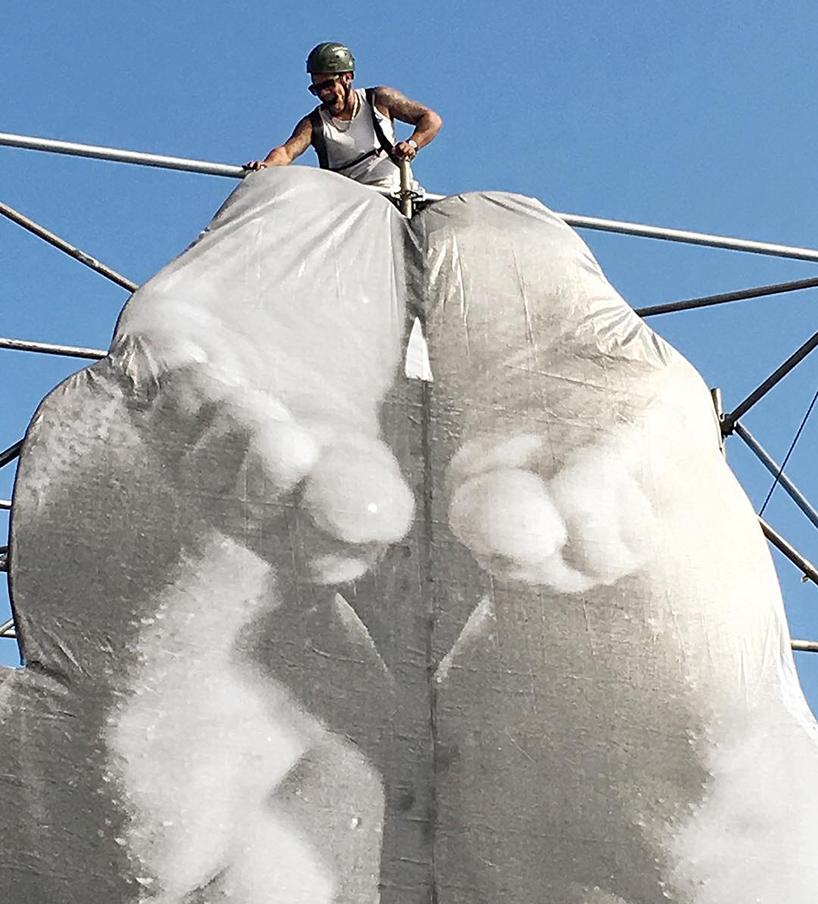 JR-high-jump-flying-rio-de-janeiro-brazil-art-installation-designboom-07