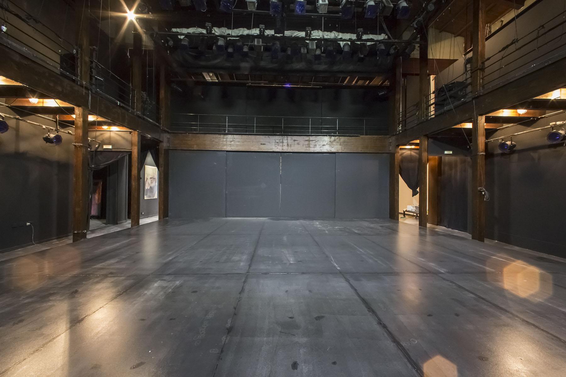 Σκηνή του θεάτρου, Φρυνίχου