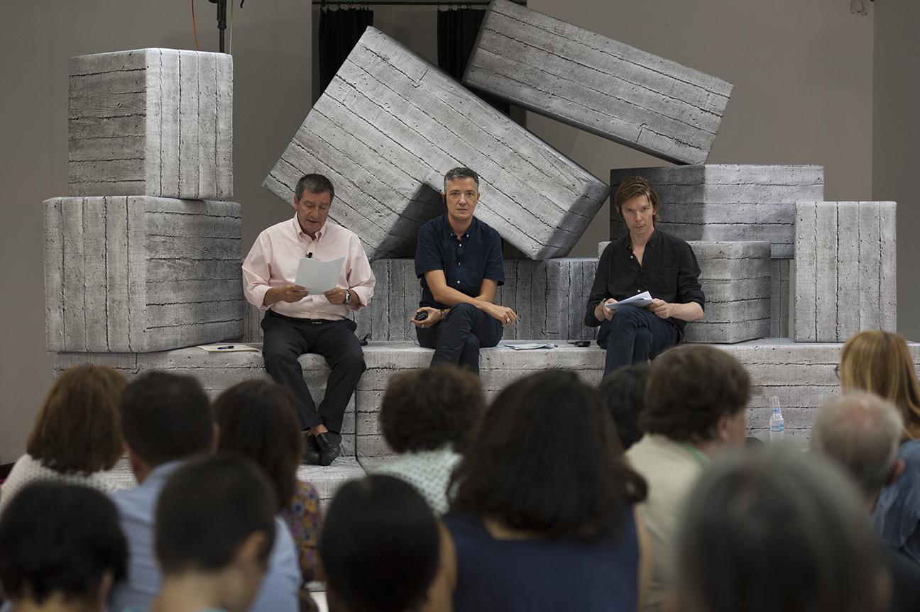 Από αριστερά προς τα δεξιά: Δήμαρχος Αθηναίων, Γιώργος Καμίνης, Paul B. Preciado, επιμελητής Προγράμματος Δημοσίων Δράσεων documenta 14, Adam Szymczyk, Καλλιτεχνικός Διευθυντής της documenta 14