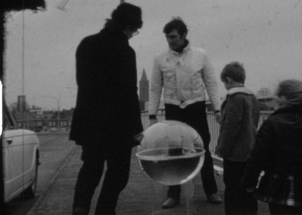 Guy-Mees: Water te Water [Νερό σε νερό], 1970
