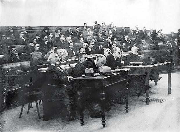 1922: Η δίκη των έξι