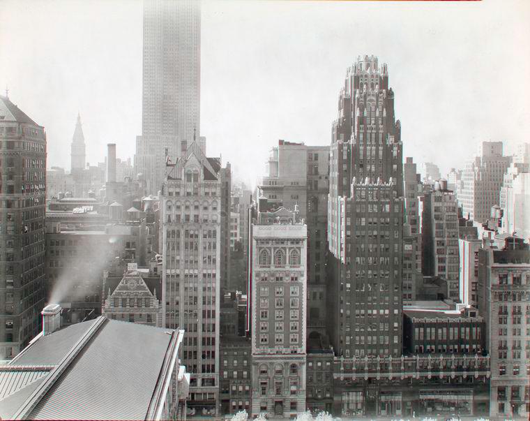 Μπερενίς Άμποτ, 40th Street between Fifth and Sixth Avenues, Manhattan, 1938, NYPL