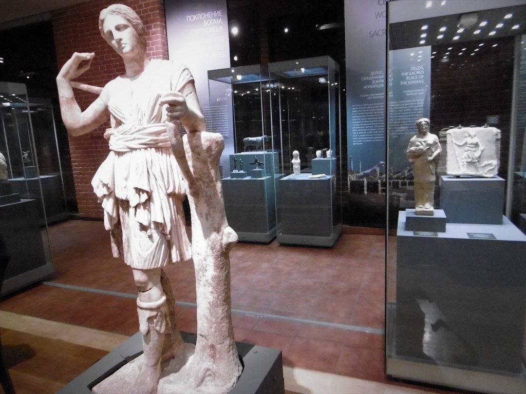 Η έκθεση «Θεοί και Ήρωες των Αρχαίων Ελλήνων» στο Κρατικό Ιστορικό Μουσείο της Μόσχας