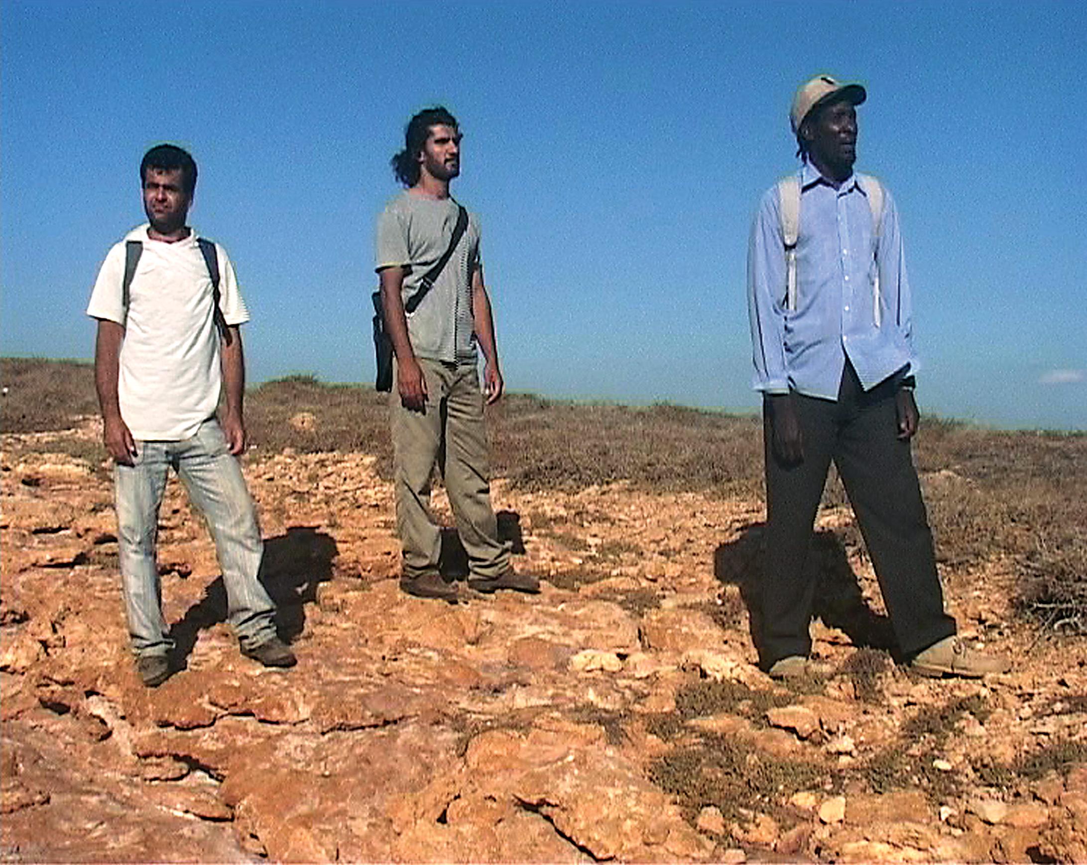 Στέφανος Τσιβόπουλος (1973) The Land, 2006 Βιντεοεγκατάσταση Bίντεο διάρκειας 8΄, έγχρωμο, με ήχο Αγορά 2008 Εθνικό Μουσείο Σύγχρονης Τέχνης, Aρ. Εισ. 603/08