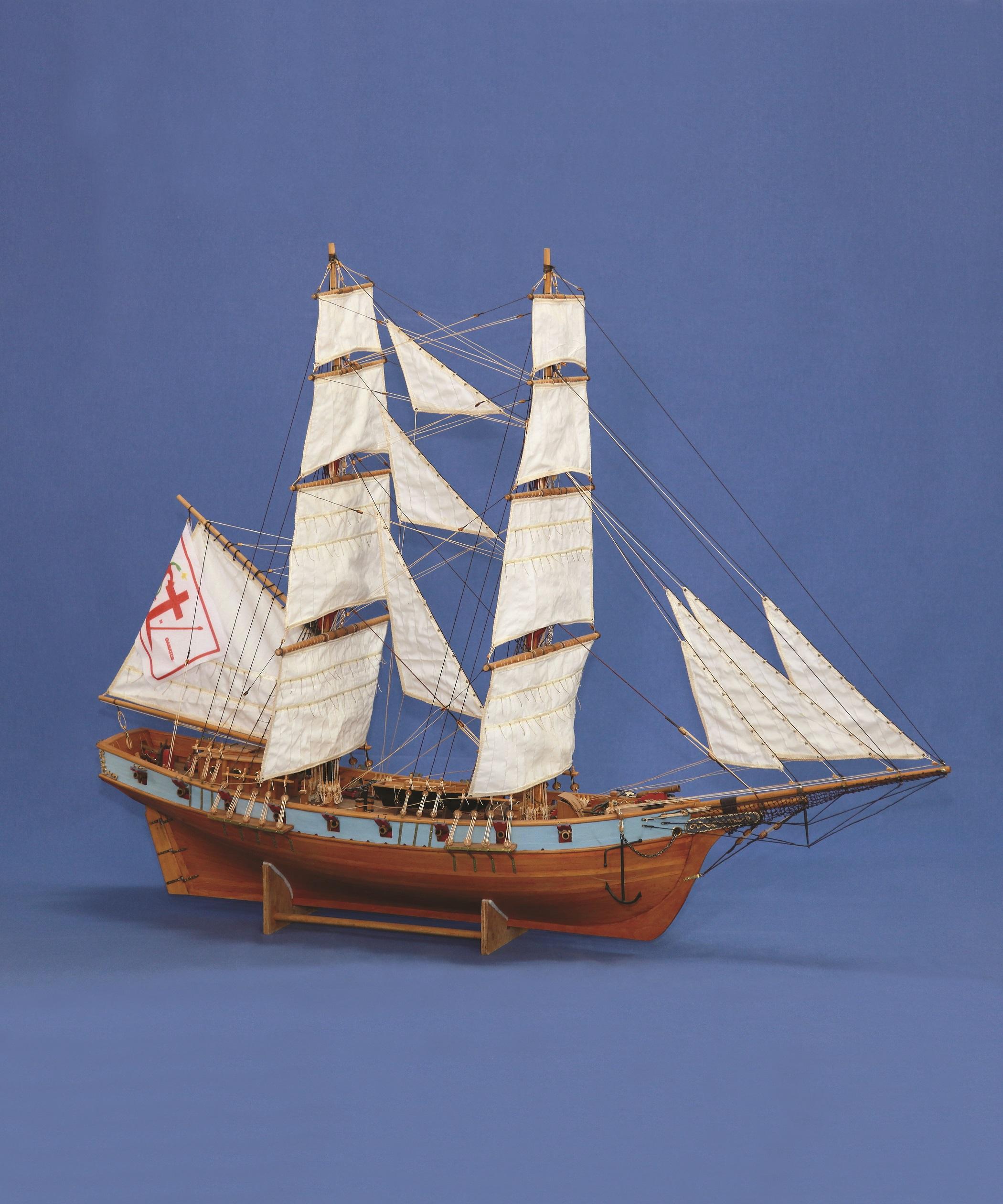 Μπρίκι: ναυπηγείται πρώτη φορά στην Ύδρα τον 18ο αιώνα. Οι δυο πολύ ψηλοί ιστοί με τα σταυρωτά πανιά, του προσέφεραν μεγάλη ταχύτητα. Στις αρχές του 19ου αιώνα το μπρίκι γίνεται το πιο διαδεδομένο σκαρί του Αιγαίου, το οποίο θα πρωταγωνιστήσει λίγο μετά στο ναυτικό Αγώνα των Ελλήνων κατά την Επανάσταση του 1821