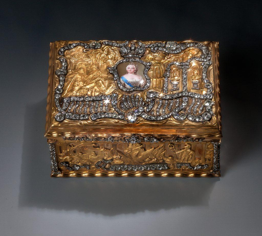 Ταμπακιέρα με πορτρέτο της αυτοκράτειρας Ελισάβετ. 1750