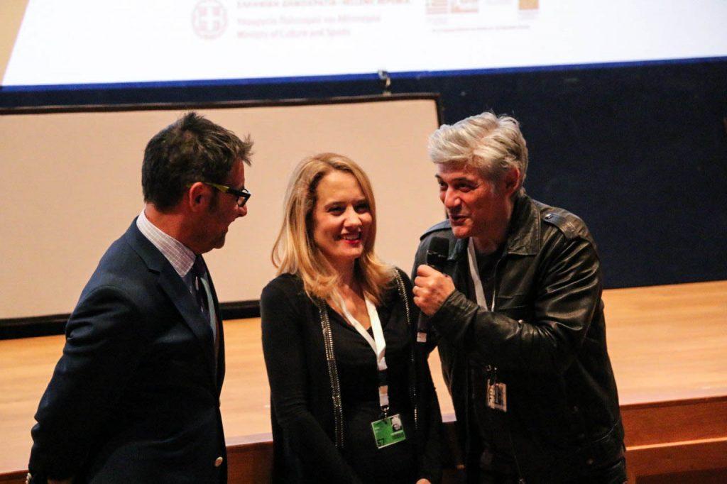 O Ορέστης Ανδρεαδάκης με τη σκηνοθέτη Κλειώ Φανουράκη και τον ηθοποιό Γιώργο Χωραφά στην προβολή της ταινίας «Ξα μου»