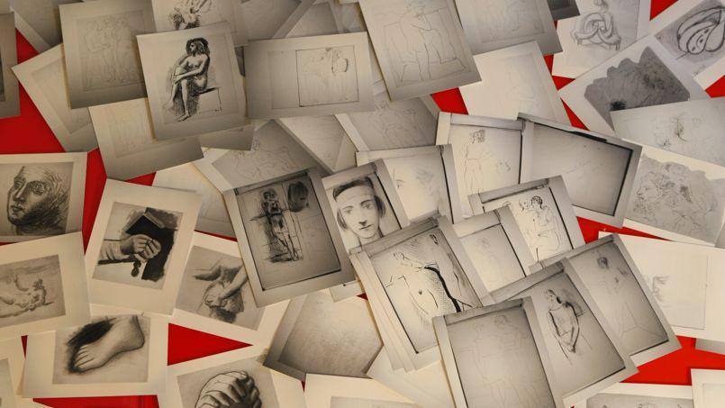 Μερικά από τα 271 σχέδια που βρέθηκαν στην αποθήκη του Λε Γκενέκ