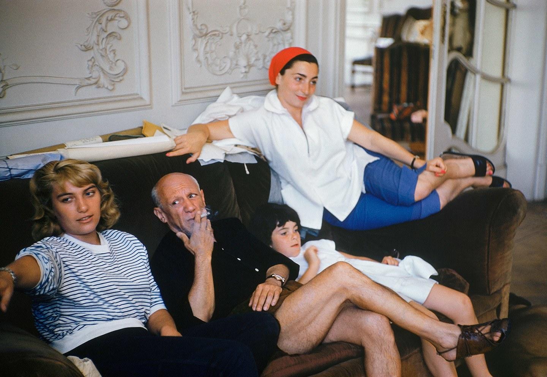 Ο Πικάσο, η Ζακλίν Ροκ, η κόρη του Μάγια και η κόρη της Ζακλίν Κάθι στη βίλα La Californie