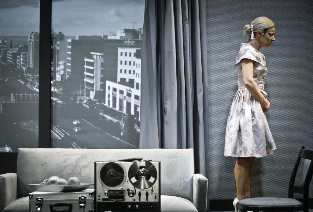 Στιγμιότυπο από την παράσταση «Ένας δολοφόνος στο Τόκυο»