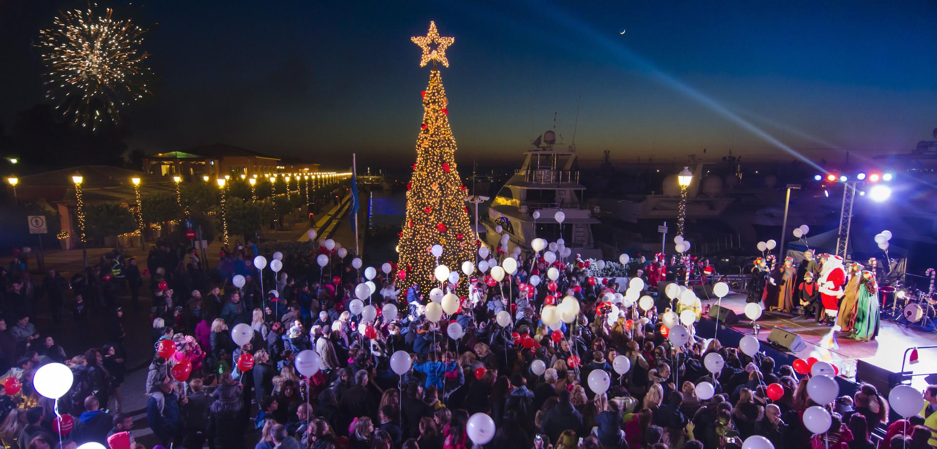 Χριστούγεννα στη Μαρίνα Φλοίσβου