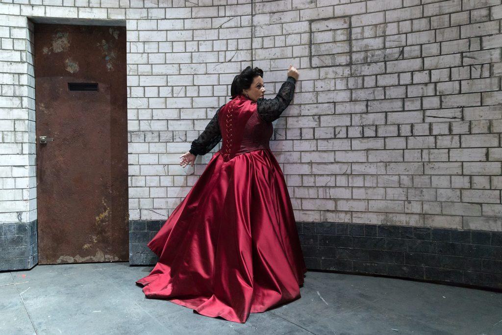 Η Τζούλια Σουγλάκου ως Όρτρουντ