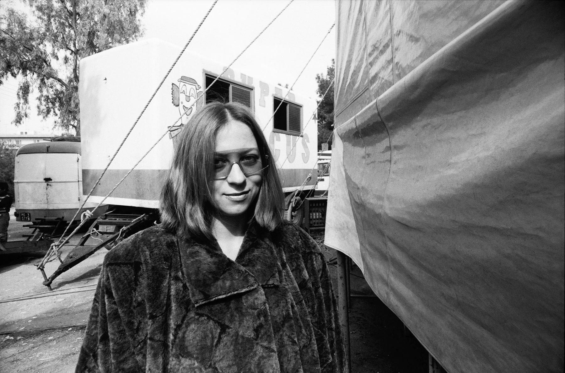 Η Λένα Πλάτωνος στο τσίρκο Curatola (Harlem) στη Νέα Φιλαδέλφεια, 1986