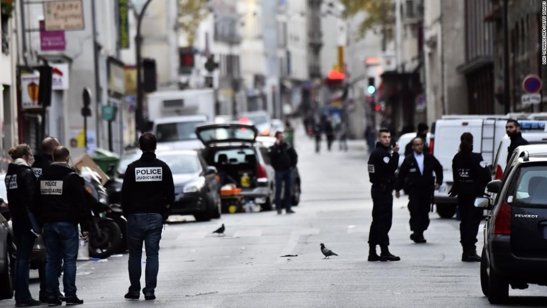 Η αστυνομία κοντά στο La Belle Equipe