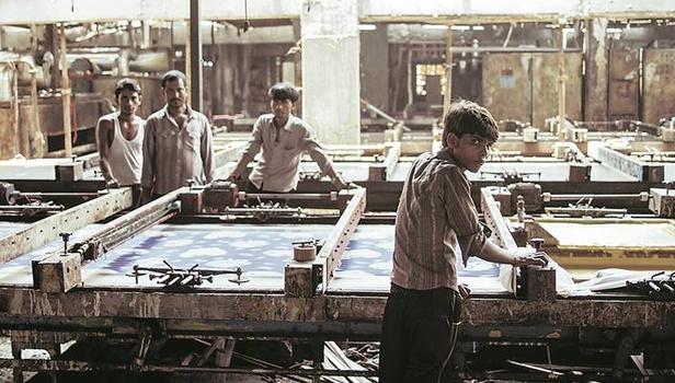 «Μηχανές» σε σκηνοθεσία Ραχούλ Τζέιν