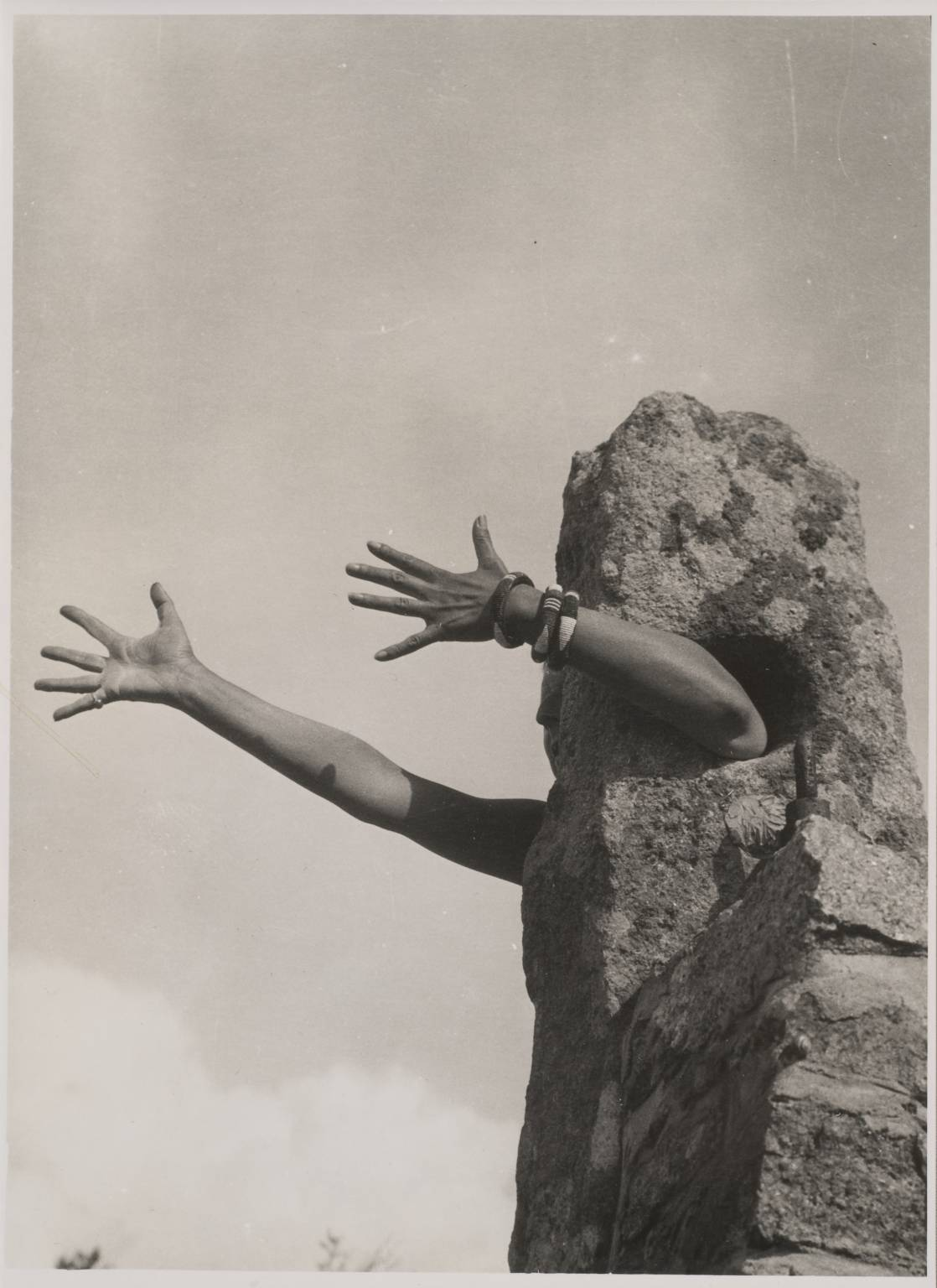 I Extend My Arms, 1931