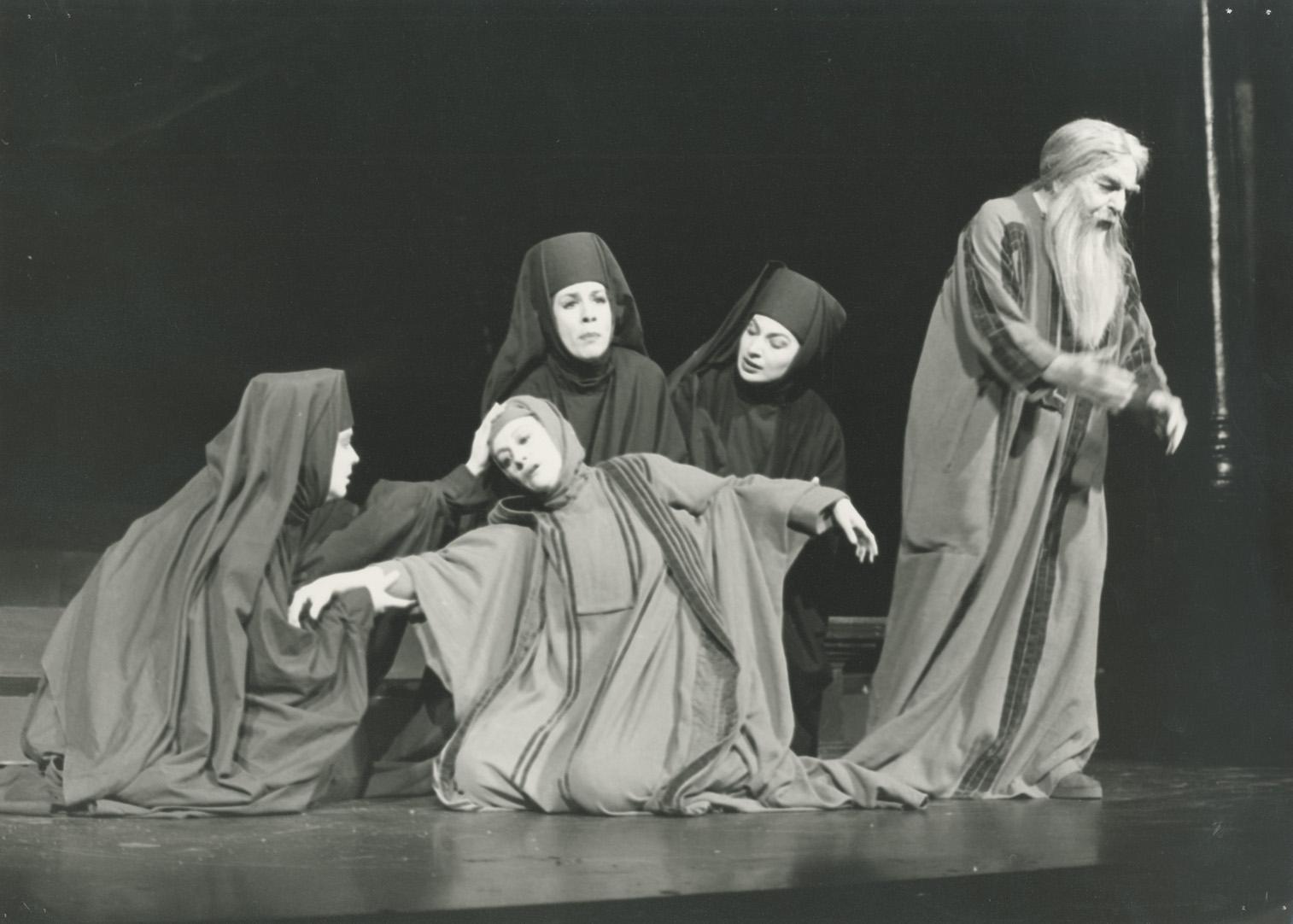 Πέννυ Σταυροπούλου (Άντα), Όλγα Τουρνάκη (Σάρρα), Νίκη Τουλουπάκη (Ταμάρ), Ελένη Τζώρτζη (Βοηθός), Αλέξης Μινωτής (Αβραάμ)