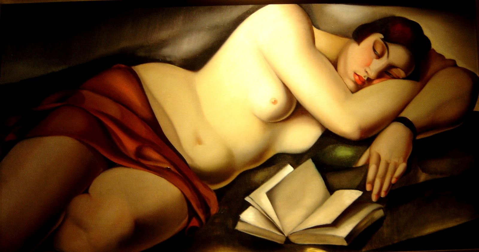 Nude laying over book, Tamara de Lempicka