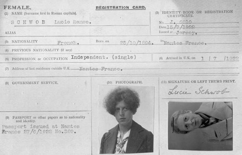 Από το αρχείο της Κλοντ Καχούν, πιστοποιητικό ταυτότητας