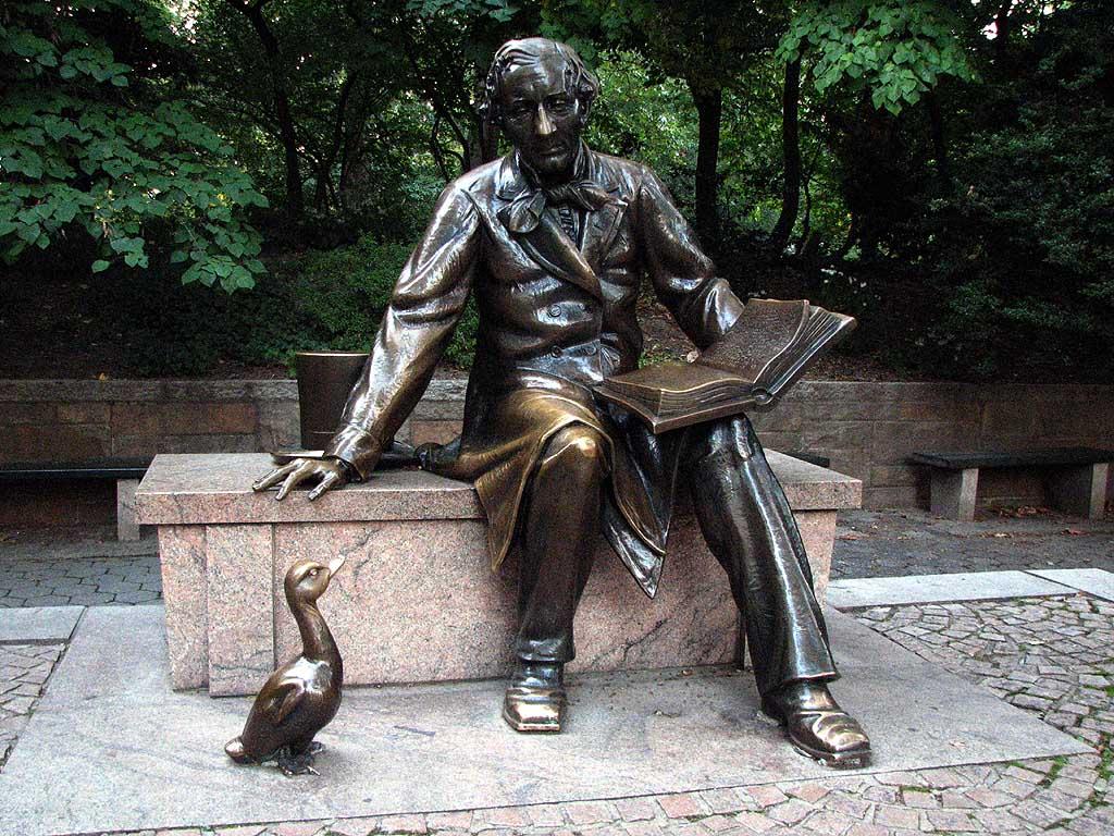 Το άγαλμα του Χ.Κ.Άντερσεν στο Σέντραλ Παρκ.