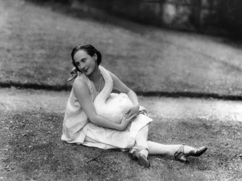H Πάβλοβα τον Αύγουστο του 1927