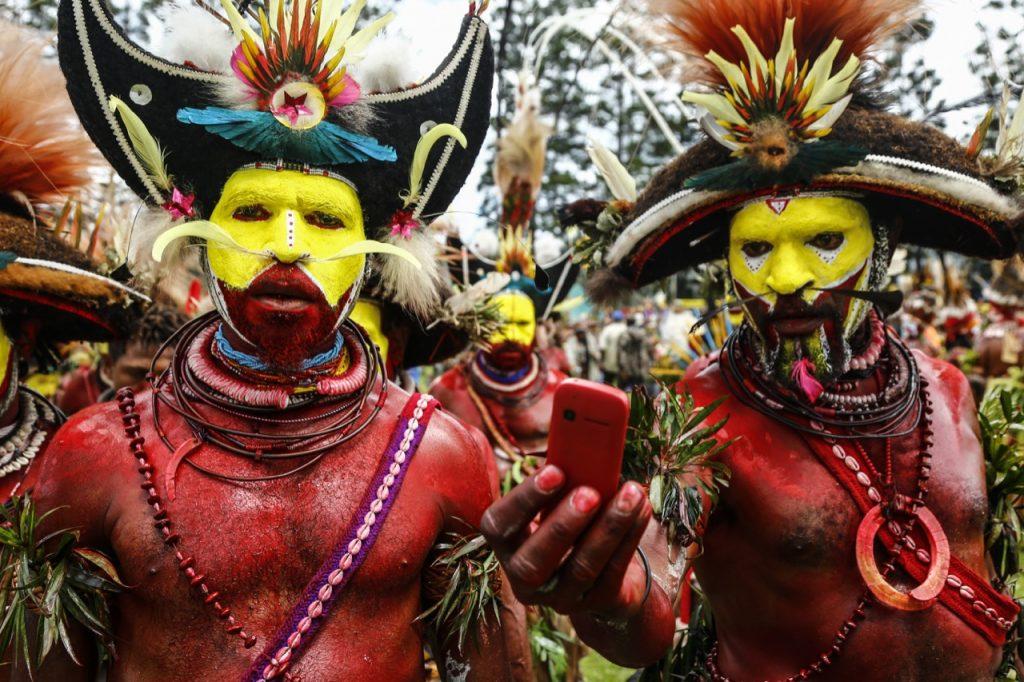 """Η φυλή """"Huli"""" στο Mt. Hagen festival, Παπούα Νέα Γουινέα"""