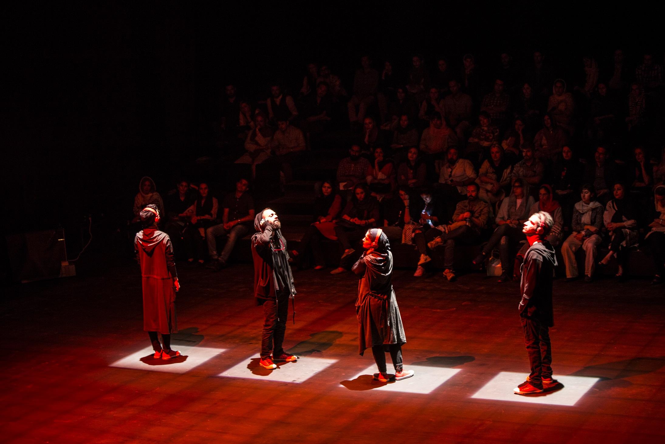 Αφσανέχ Μαχιάν – Shieveh Theatre Company Από το υπόγειο στην ταράτσα της Μαχίν Σαντρί