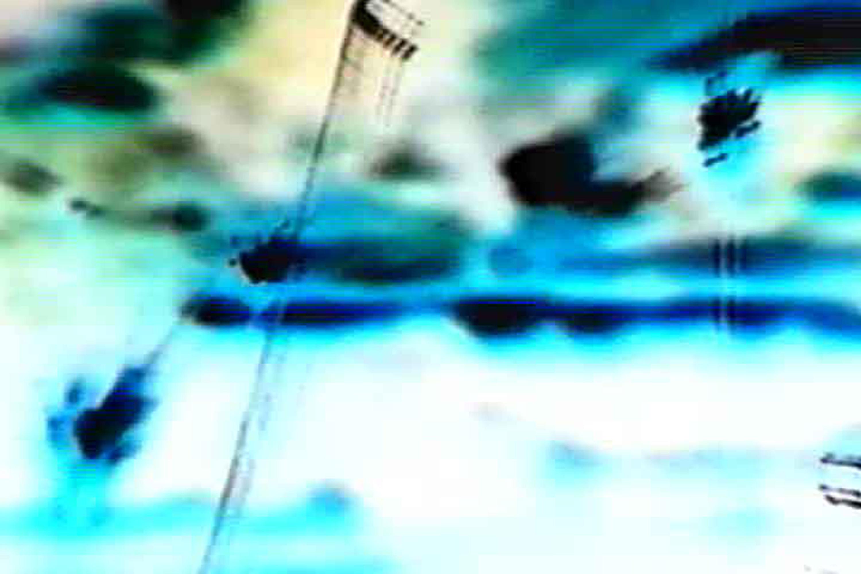Παναγιώτα Τζαμουράνη, Ακούγοντας το κενό, 2002 (στιγμιότυπο βίντεο) Βίντεο VHS 07:10 λεπτά