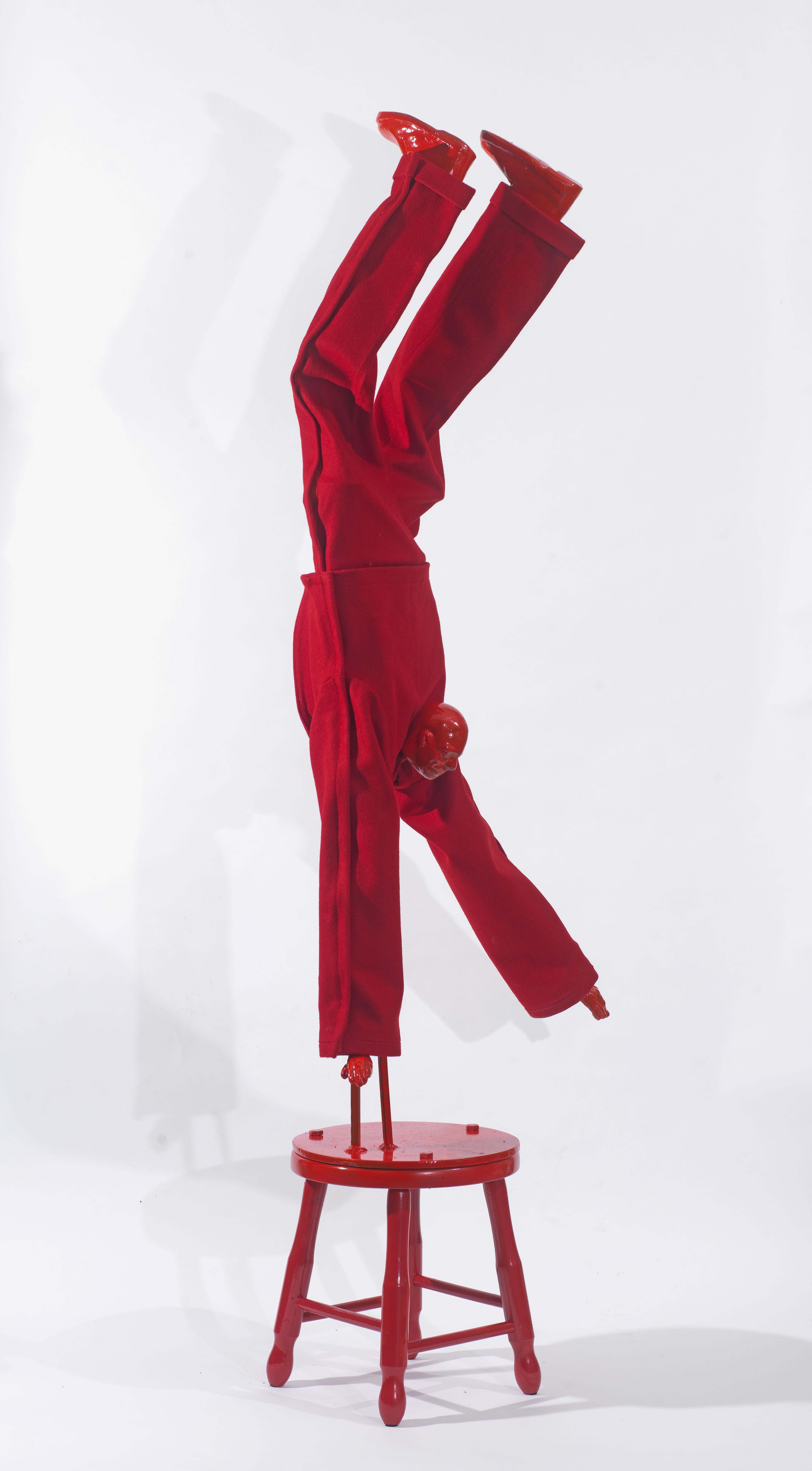Κόκκινη Φιγούρα, Μέταλλο και Ύφασμα, 170x60x30, 2015