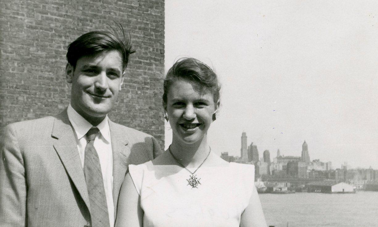 Ο Τεντ Χιουζ και η Σύλβια Πλαθ, στη Νέα Υόρκη, Ιούνιος 1958. Φωτογραφία: The Lilly Library, Indiana University, Bloomington, Indiana.