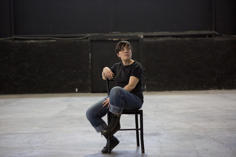 Γεωργία Μαυραγάνη – Εταιρεία Θεάτρου Χάπι Εντ: Ξαφνικά πέρυσι το καλοκαίρι / Τέννεσση Γουίλλιαμς - ©Μαριλένα Σταφυλίδου