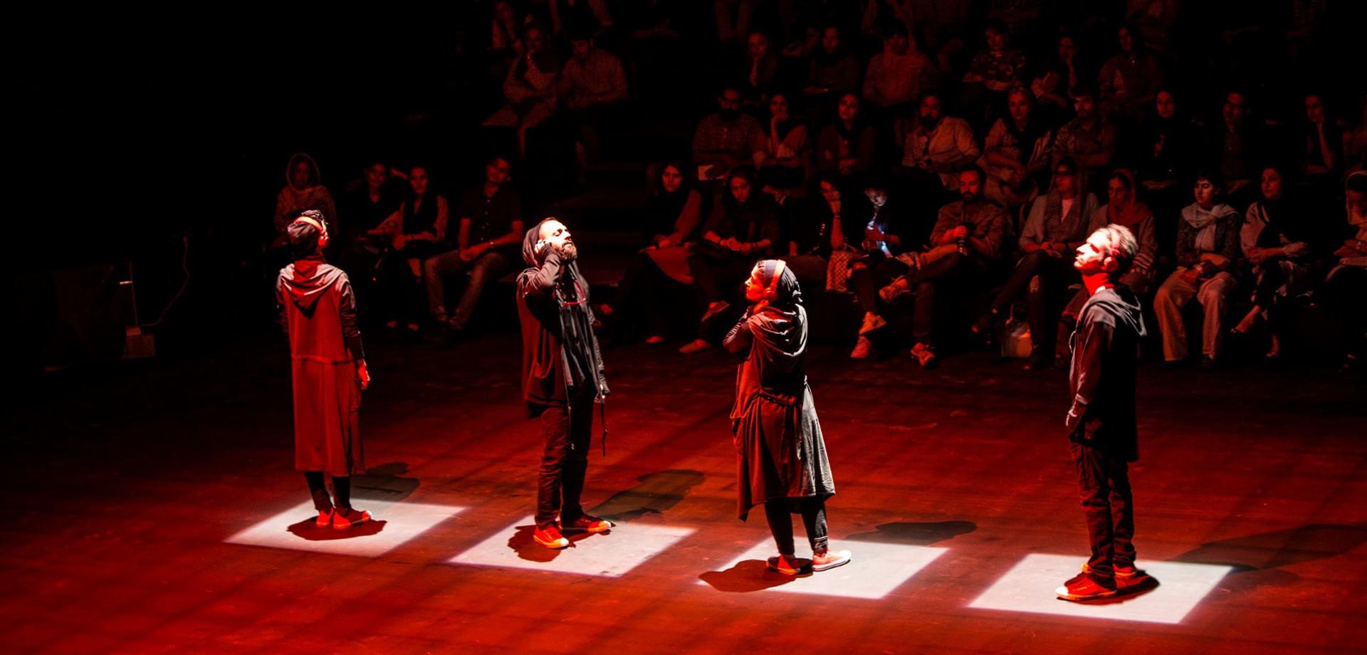 Αφσανέχ Μαχιάν – Shieveh Theatre Company: Από το υπόγειο στην ταράτσα της Μαχίν Σαντρί