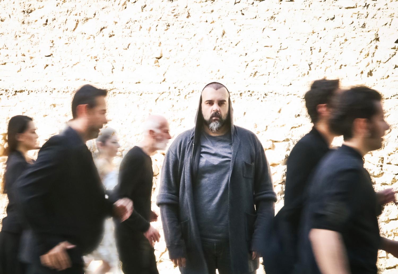 Ιώ Βουλγαράκη – ΠΥΡ: Άφιξις / Με αφετηρία τη Μνηστηροφονία από την Οδύσσεια