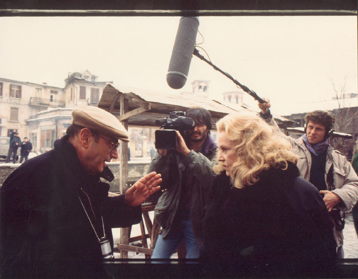 Theo Angelopoulos with Jean Moreau during the shooting of the film «The suspended step of the stork», Photo: Nikos Panayotopoulos, 1990