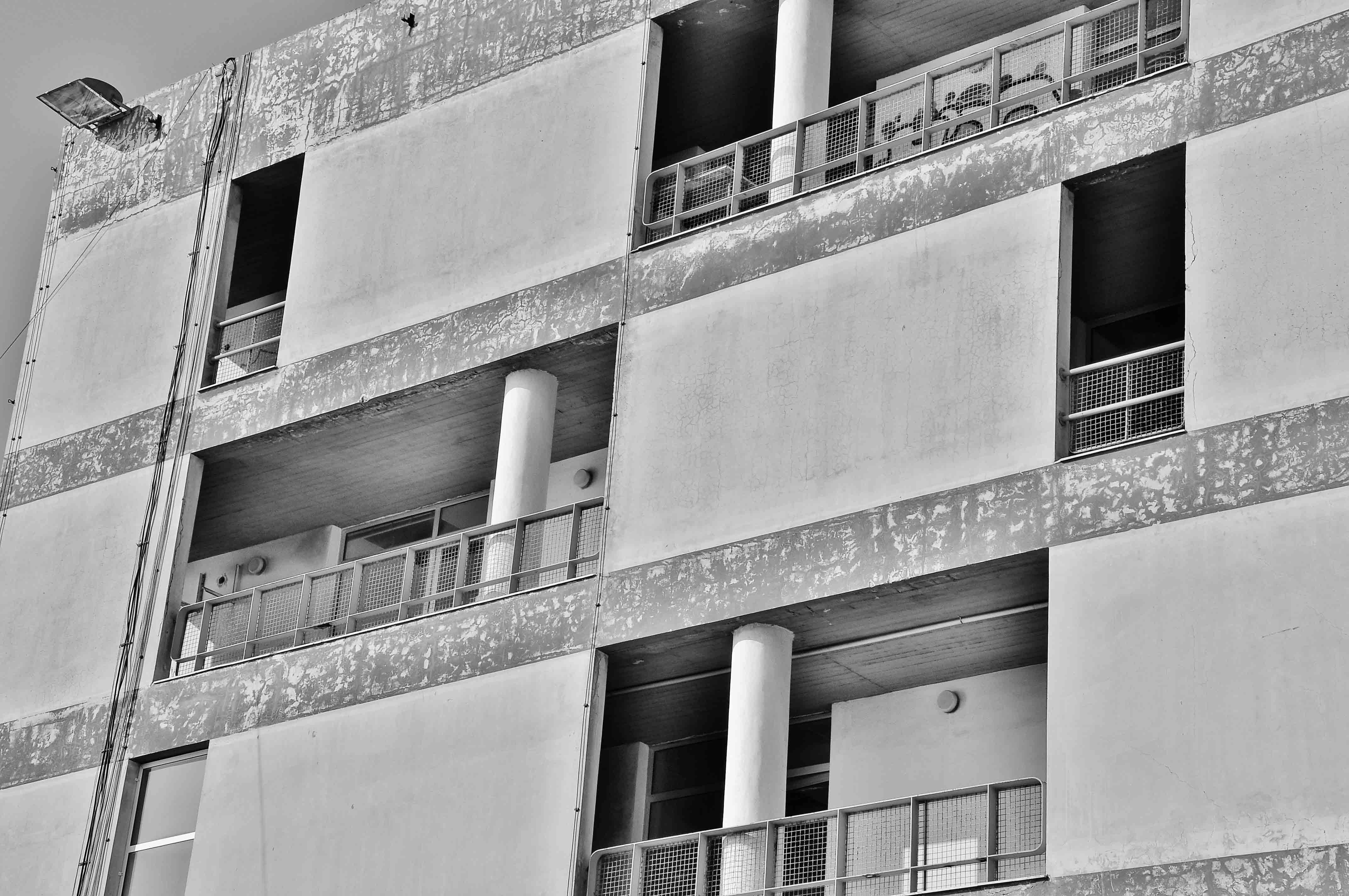 """Γκαλερί Cube - Εγκαίνια έκθεσης Ξενοφώντα Παπαευθυμίου """"Αόρατη Πόλη"""""""