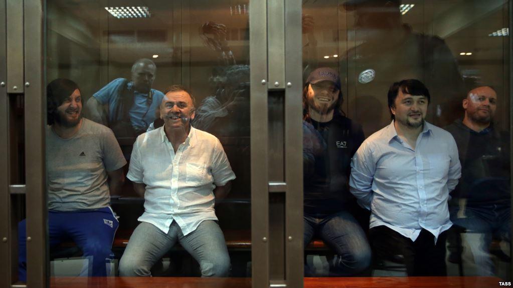 Οι δολοφόνοι τη Πολιτκόφσκαγια στο δικαστήριο