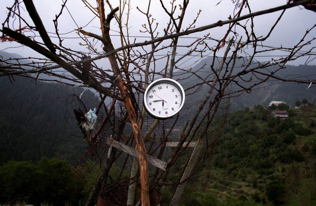 Ρολόι δρόμου, κοντά στο Καρπενήσι, Ελλάδα