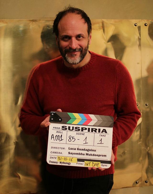 Ο Λούκα Γκουαντανίνο στα γυρίσματα του «Suspiria»