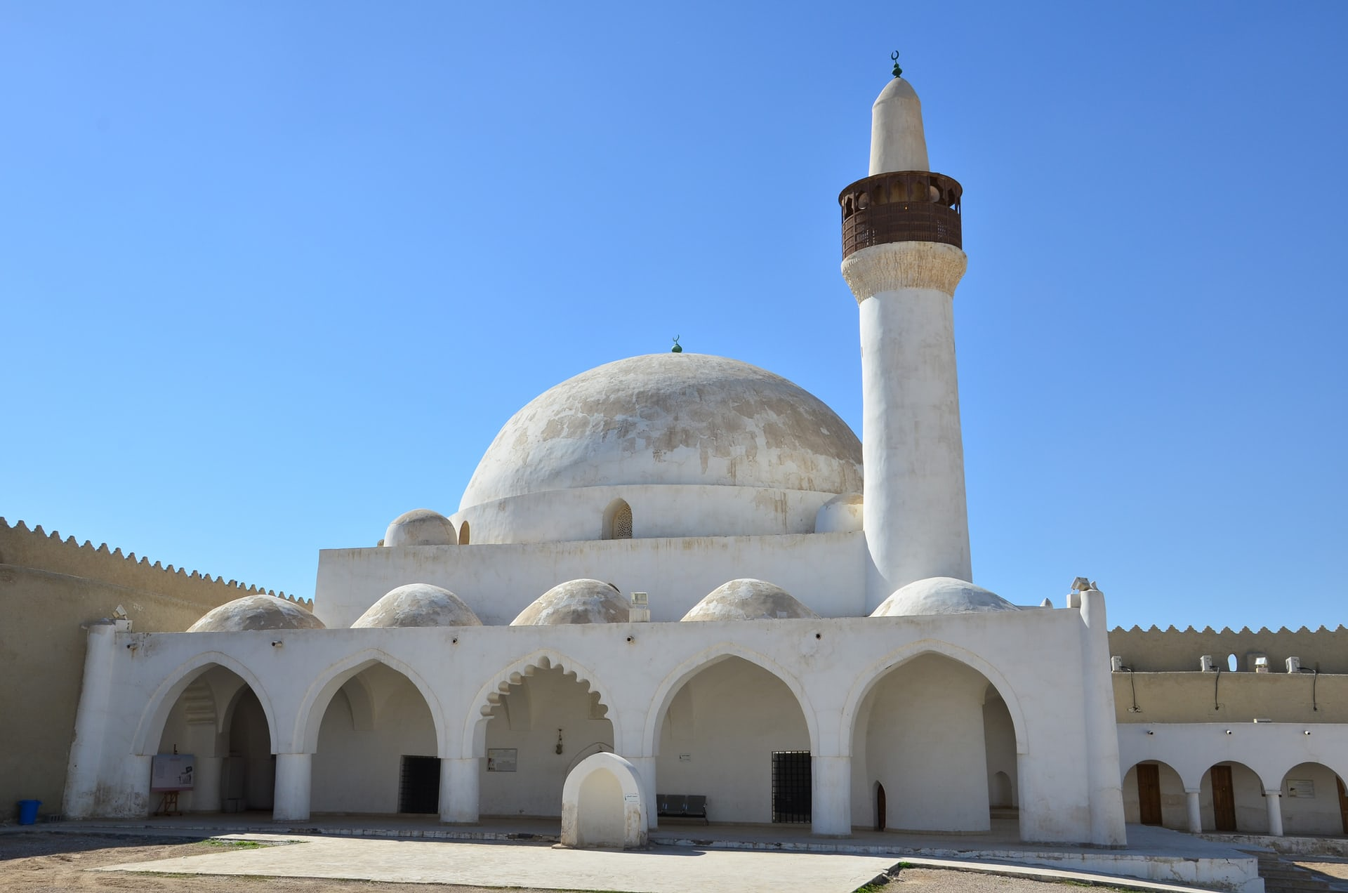 Το τέμενος Qasr Ibrahim στην όαση Αλ-Άχσα (Photo: François Cristofoli)
