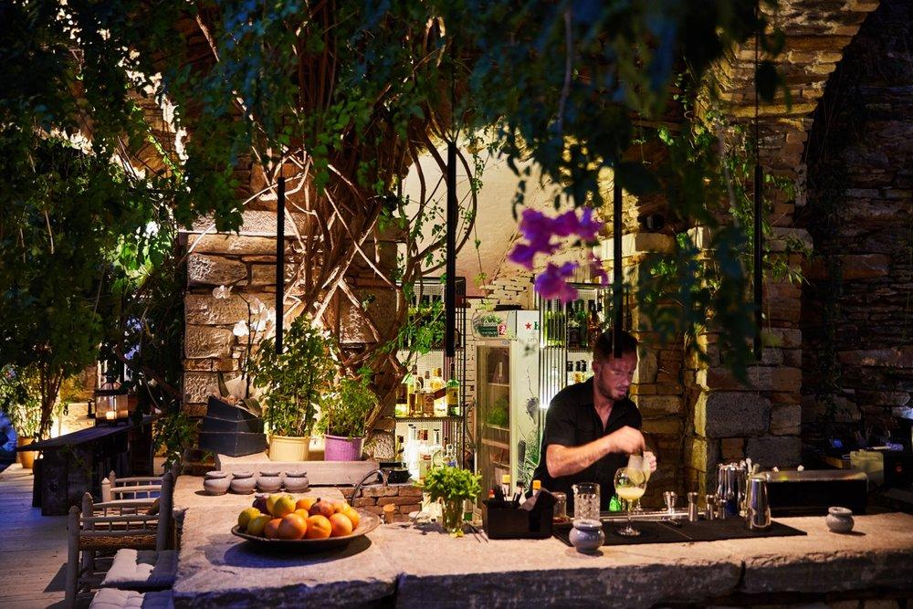 Το κρασί και τα cocktail παίζουν ιδιαίτερο ρόλο.
