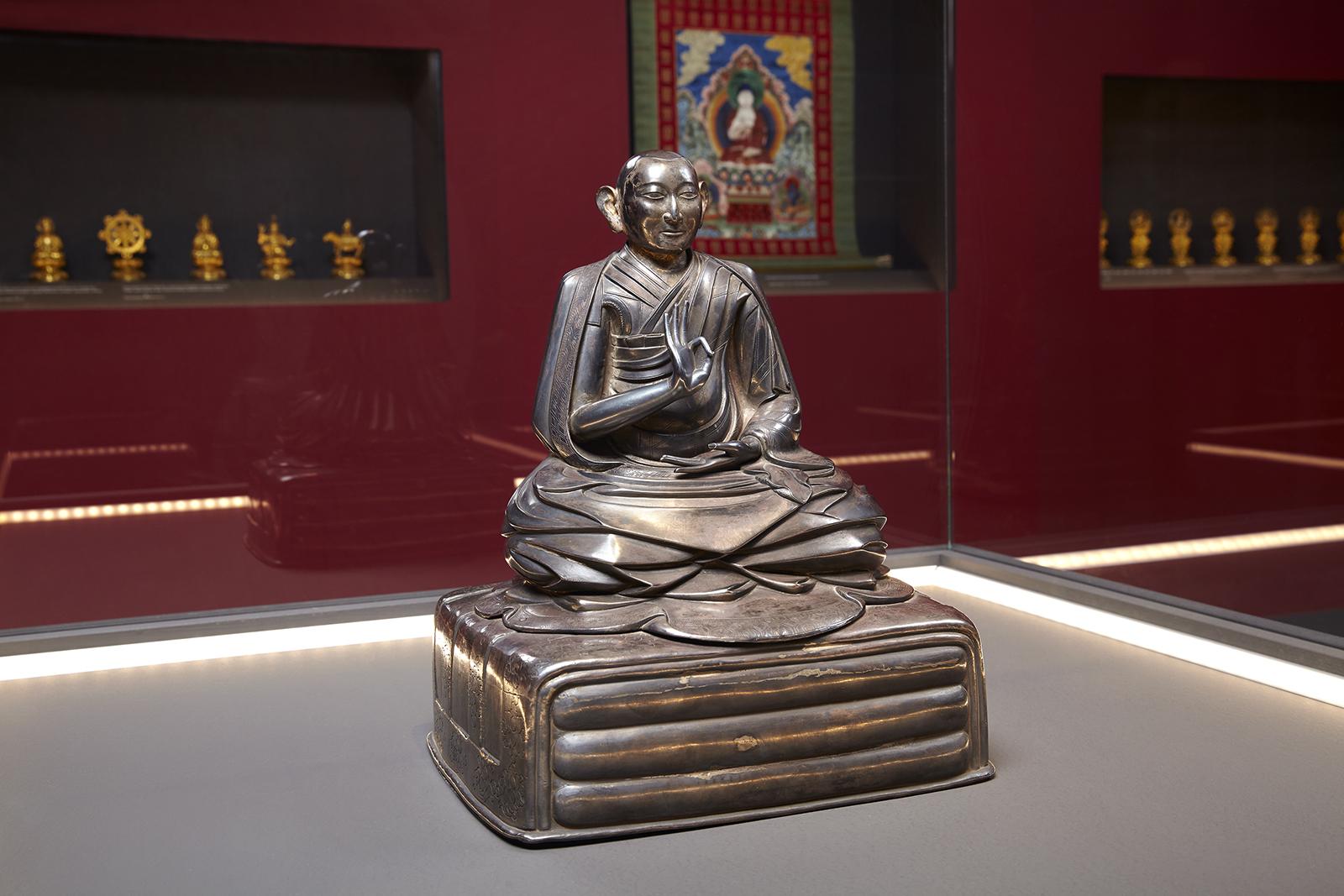 Αργυρό αγαλμάτιο του Τρίτου Δαλάι Λάμα Δυναστεία Qing, Βασιλεία Qianlong (1735 – 1796)