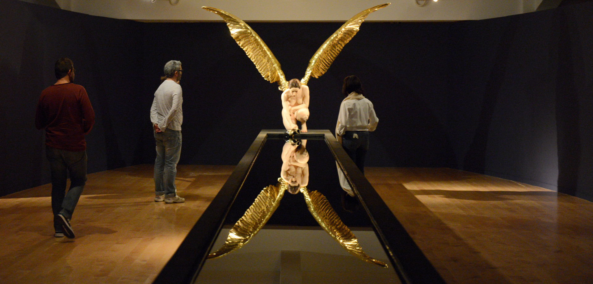 Αποτέλεσμα εικόνας για «Η Αγγελιαφόρος» Ίρις του γλύπτη Sam Jinks