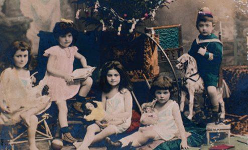 Τρεις γενιες στο Μουσείο Μπενάκη Παιχνιδιών