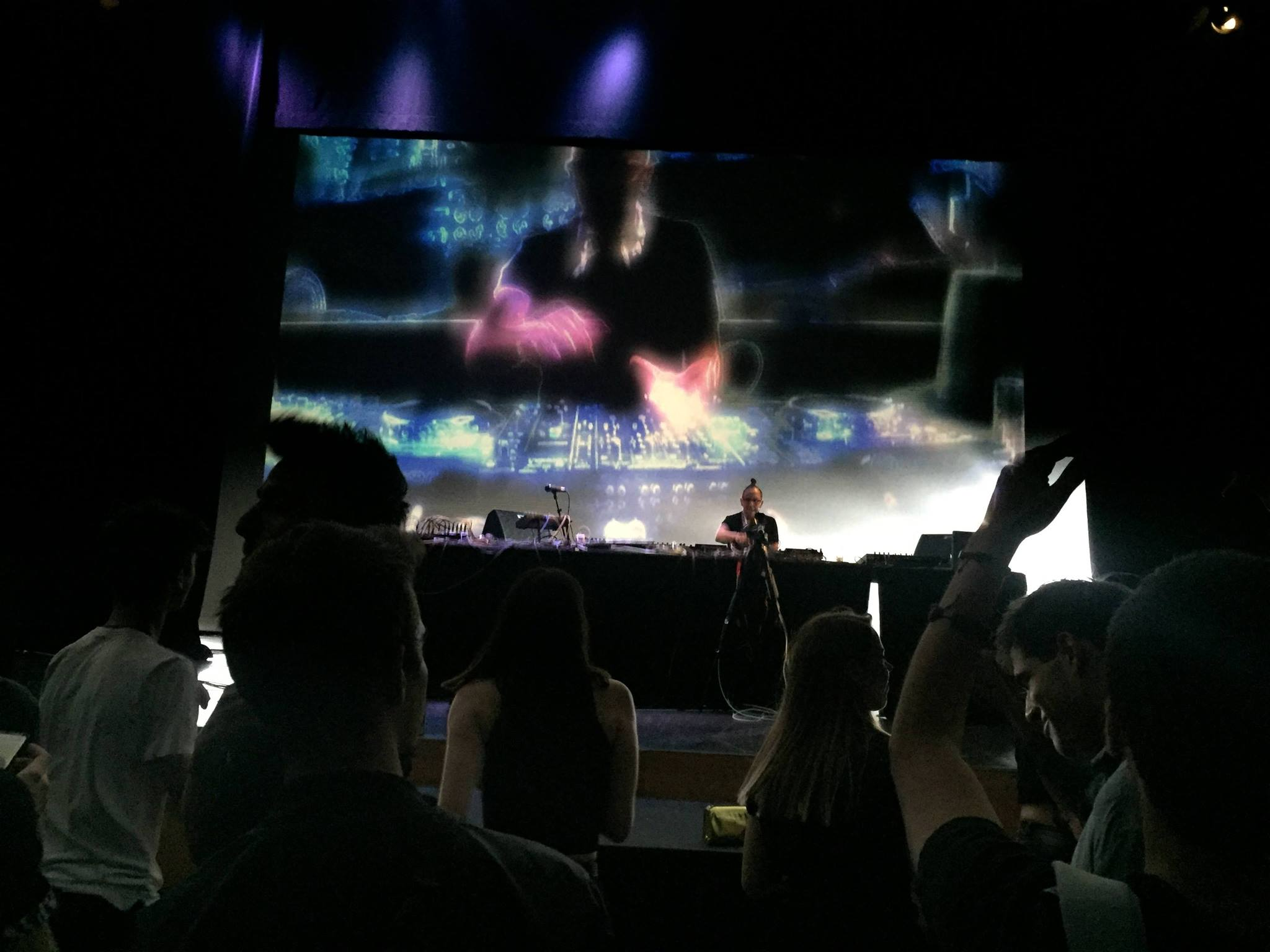 """Τον περασμένο Μάιο, το πάρτυ λήξης τουThe Athens Digital Arts Festival έφερε τους ήχουςτης techno για πρώτη φορά στο Μέγαρο Μουσικής Αθηνών, ανατρέποντας την άποψη περί """"κατάλληλων χώρων"""" για """"συγκεκριμένες μουσικές""""."""