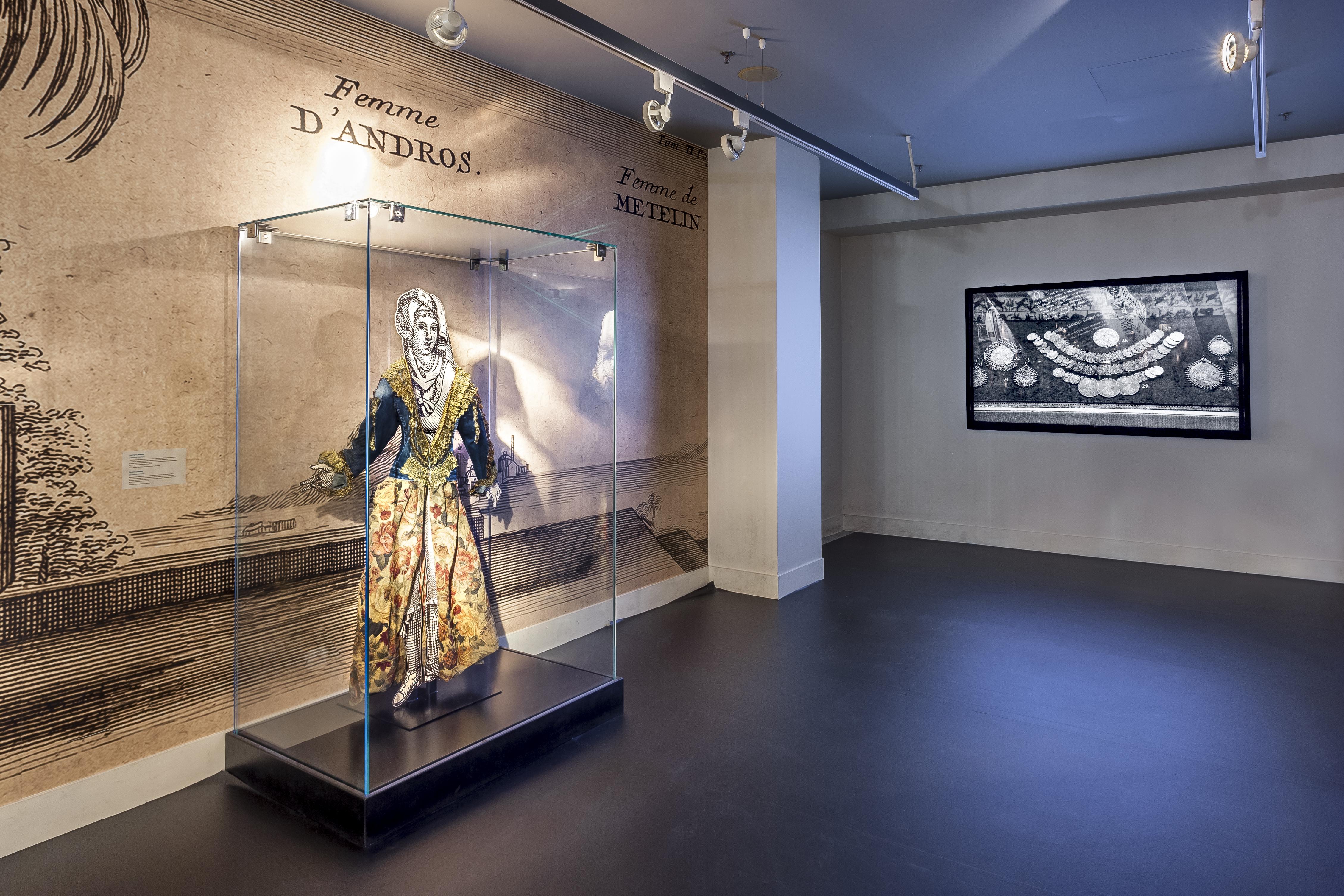 Ταξίδι στη μαγεία της ελληνικής φορεσιάς: Σύγχρονες δημιουργίες ζωντανεύουν τις συλλογές του Μουσείου Μπενάκη